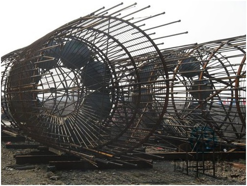 Finish welding load cell to reinforcement cage - Jiaxing - Shaoxing River-Crossing Bridge DuSense LLC Project
