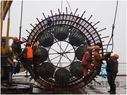 Preparation for lowering reinforcement cage - Jiaxing - Shaoxing River-Crossing Bridge DuSense LLC Project