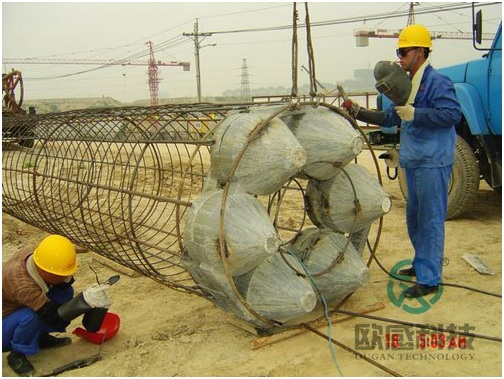 Weld load cell to reinforcement cage 1 - Zhengzhou New Train Station -DuSense LLC Project