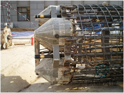 Weld load cell to reinforcement cage and fix pipeline - Beijing Ministry of Railways Command and Control center- DuSense LLC Project