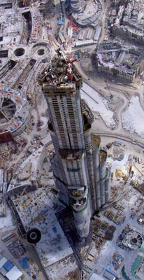 Burj Khalifa under various stages of construction 2005-2010b-DuSense LLC