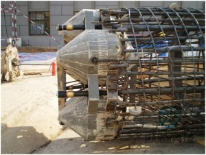 Weld load cell to reinforcement cage and fix pipeline Beijing Ministry of Railways Command and Control center